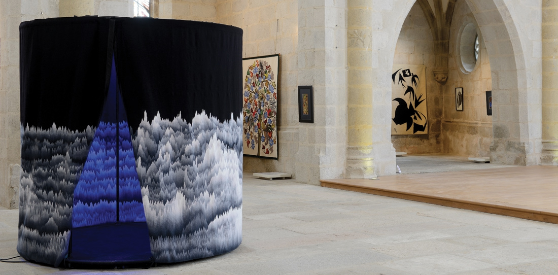 Panoramique polyphonique, by Cécile Le Talec, Grand Prize 2011, woven by A2 workshop. Exhibition